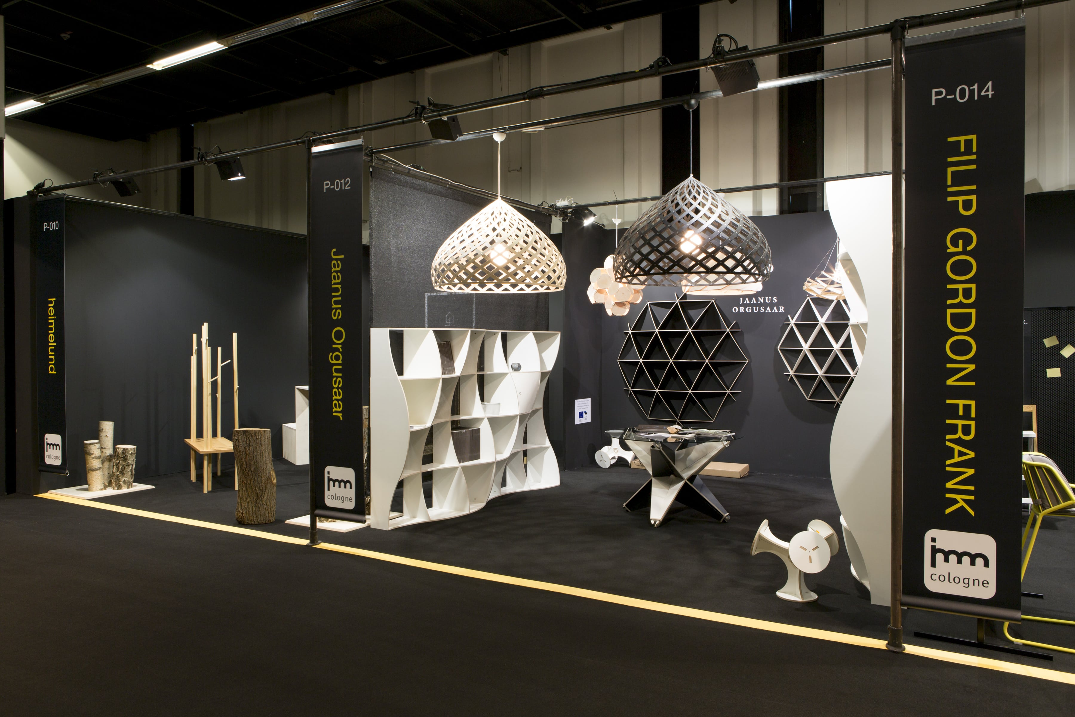 Individual, creative group stand: minimalistic, special and communicative.